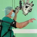 Exoskelett: höhere Präzision bei neurochirurgischen Operationen